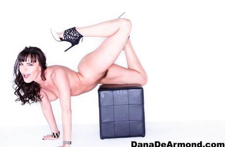 Flexy Mature Girls Photos