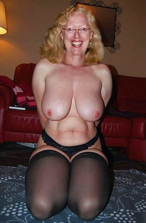 Mature Moms Tits Photos
