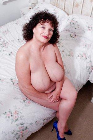 Mature Natural Tits Photos