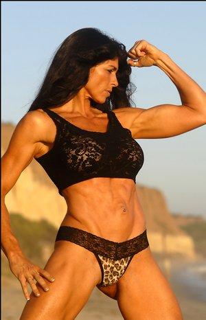 Mature Latina Tits Photos