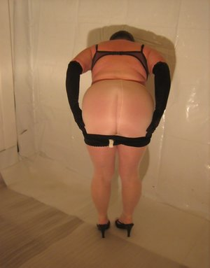 Stripping Mature Photos