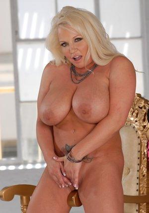 Blonde Milfs Photos