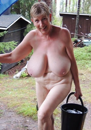 Mature Natural Tits Photos