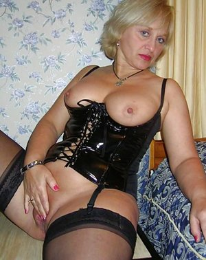 Mature Corset Photos