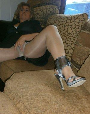 Mature Pantyhose Photos