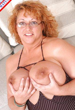 Mature Moms Tits Photos